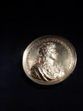 Médaillle représentant Louis XIV le Grand