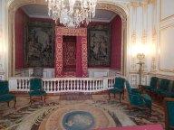 L'appartement de parade, très modifié depuis l'époque. je crois. Le style des rideaus n'est pas Louis XIV et...